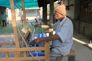 Weaving at Khamir